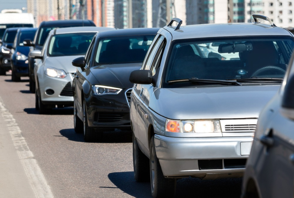 Following Distances – How to Avoid the Possible Tailgating Accidents?