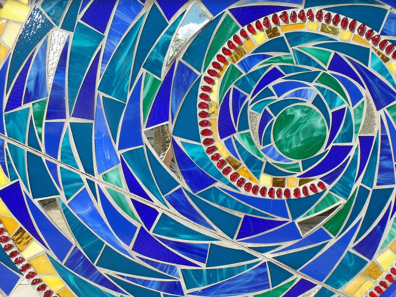 Incorporate Best Form of Art by Adding Mosaic Tile