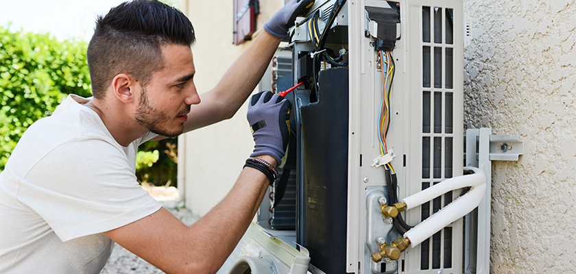 Signs That Indicate to Replace Air Conditioning Unit Instead of Repairing It